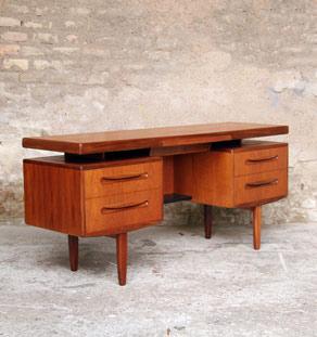 Bureau_scandinave_gplan_teck_4_grand_tiroirs_mobilier_vintage_design_annee_50_60_gentlemen_designers_strasbourg_paris_lyon_vignette