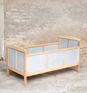 Lit_enfant_gris_bois_vintage_design_annee_50_60_fabriquer_sur_mesure_france_made_in_gentlemen_designers_strasbourg_alsace_lyon_francais_vignette