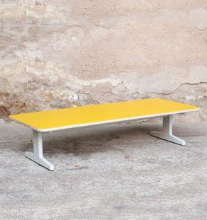 Table-basse_rectangle_jaune_vintage_couleur_mobilier_creation_sur_mesure_design_bois_france_gentlemen_designers_strasbourg_alsace_lyon_paris_ecologique_vignette