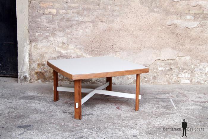 Table basse carr bois gris clair gentlemen designers - Table basse bois gris clair ...