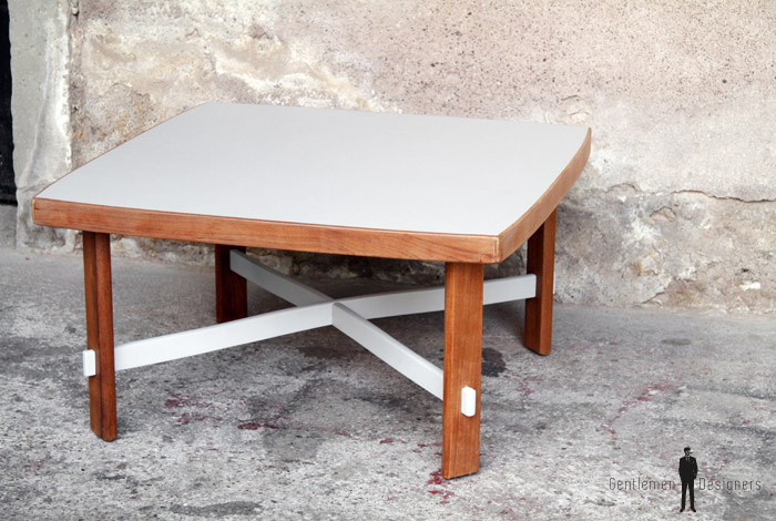 Table basse carré bois , gris clair  Gentlemen Designers