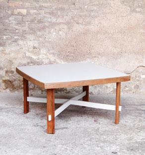 Table_basse_carre_teck_gris_clair_bois_mobilier_vintage_design_annee_50_60_gentlemen_designers_strasbourg_paris_lyon_vignette