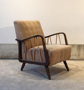 Fauteuil_beige_accoudoir_barreaux_tissu_mobilier_vintage_design_annee_50_60_original_gentlemen_designers_strasbourg_alsace_paris_lyon_vignette