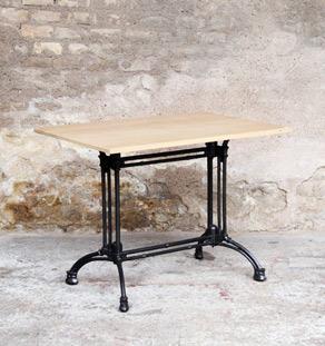 Table_bistrot_bureau_chene_massif_fonte_bois_mobilier_sur_mesure_vintage_design_annee_50_60_fabriquer_france_gentlemen_designers_strasbourg_alsace_lyon_francais_vignette