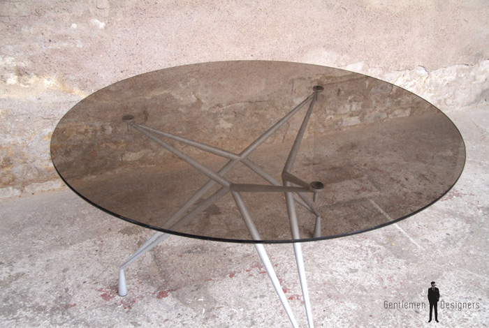 table ronde plateau verre pied eiffel vin tam 011. Black Bedroom Furniture Sets. Home Design Ideas