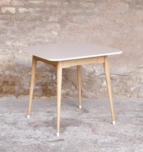 Table_vintage_formica_bois_clair_carre_mobilier_design_annee_50_60_original_gentlemen_designers_strasbourg_alsace_paris_lyon_vignette