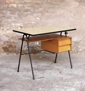 Bureau_ecole_annee_50_plateau_inclinable_formica_Bois_scandinave_mobilier_vintage_design_annee_50_60_original_gentlemen_designers_strasbourg_alsace_paris_lyon_vignette