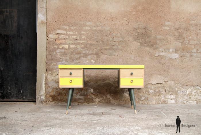 Bureau vintage formica graphique jaune gentlemen designers for Bureau jaune