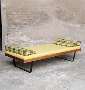 Daybed_jaune_tissu_bois_metal_scandinave_mobilier_vintage_design_annee_50_60_original_gentlemen_designers_strasbourg_alsace_paris_lyon_vignette