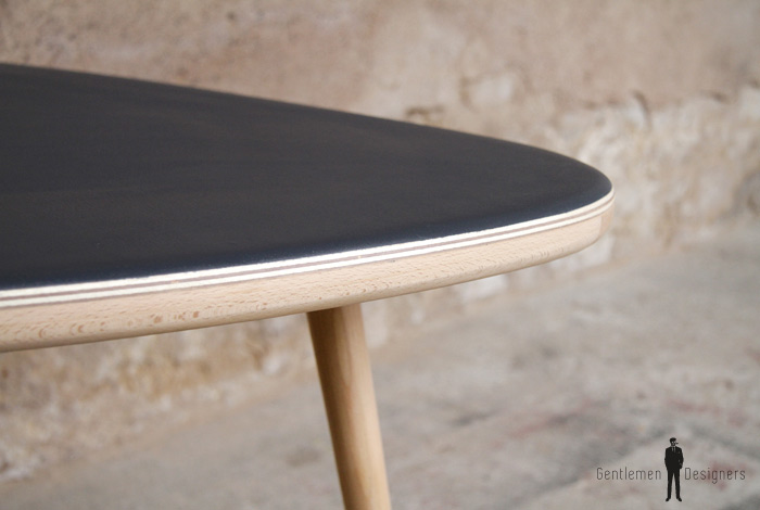 Table basse tripode vintage r nov e en bois gris anthracite for Table basse gris anthracite