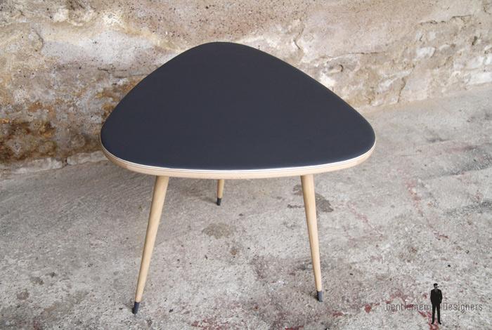 Table basse tripode vintage rénovée en bois, gris anthracite
