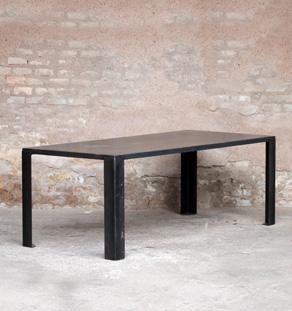 Table manger métal, style industriel, grande gris anthracite, ancien, patine, légère, fine