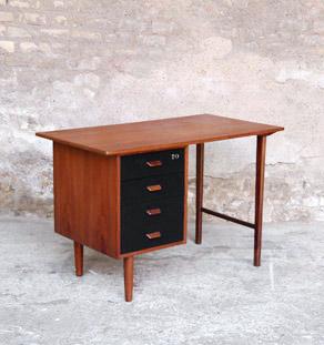 Bureau_petit_scandinave_teck_tiroirs_noir_vintage_mobilier_lot_design_annee_50_60_original_gentlemen_designers_strasbourg_alsace_paris_lyon_vignette