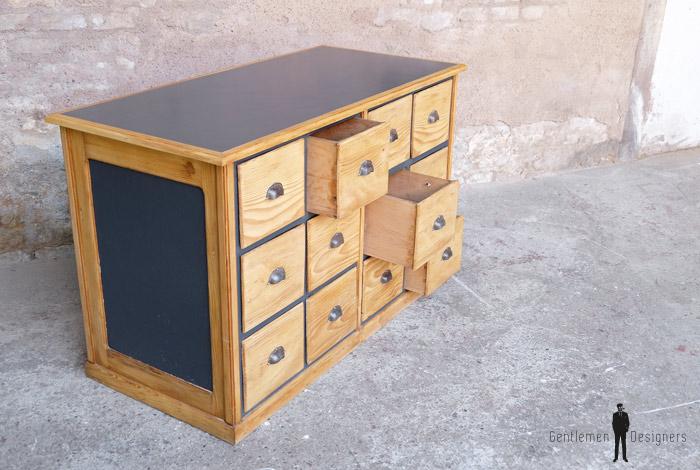 Comptoir ancien en bois meuble de m tier 12 tiroirs for Meuble 2 tiroirs 60 cm woodstock bois clair