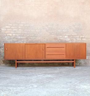 Enfilade_scandinave_teck_mobilier_vintage_troeds_jonsson_sweden_design_annee_50_60_original_gentlemen_designers_strasbourg_alsace_paris_lyon_vignette