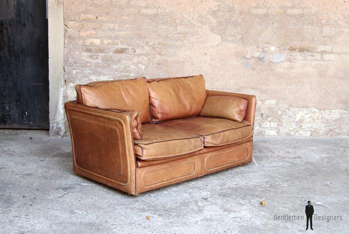 Canap esprit desede cuir brun confortable gentlemen for Canape hauteur assise 60