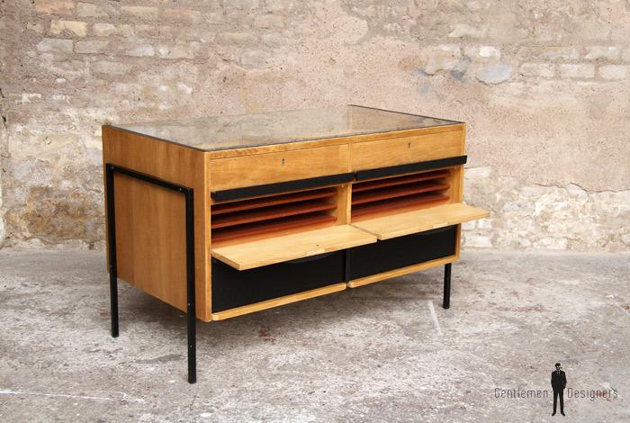 comptoir magasin vintage vitrine opticien ancien r nov. Black Bedroom Furniture Sets. Home Design Ideas