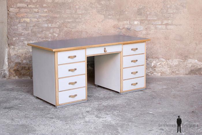 bureau ancien en bois 9 tiroirs gris clair poign e cuir gentlemen designers
