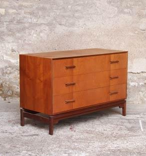 Commode_3_tiroirs_teck_scandinave_mobilier_vintage_design_annee_50_60_gentlemen_designers_strasbourg_paris_lyon_vignette