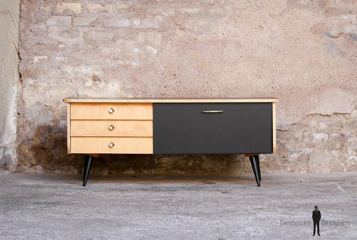 meuble bas tv vintage noir et bois clair gentlemen designers. Black Bedroom Furniture Sets. Home Design Ideas