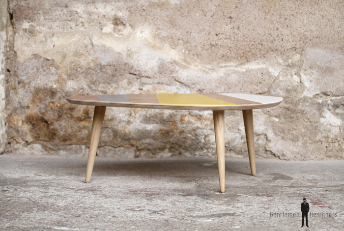 Table basse tripode graphique jaune made in france for Meuble 90x60