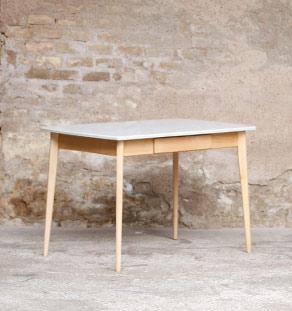 Table de repas, cuisine, vintage Formica, bois clair