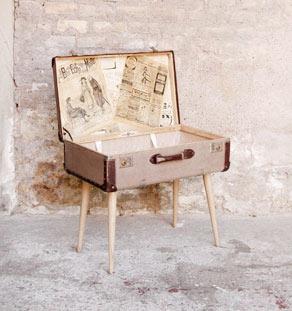 Valise sur pieds table basse originale d tourn e for Pied de table original