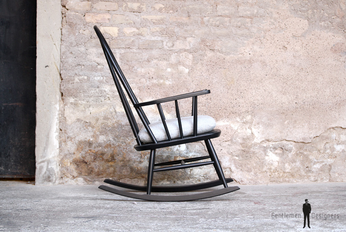 rocking chair noir vintage bois style tapiovaara galette en tissu gentlemen designers. Black Bedroom Furniture Sets. Home Design Ideas