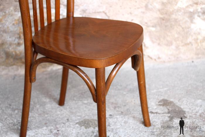 Lot de 6 chaises bistrot baumann en bois dossier barreaux for Chaise bistrot baumann prix