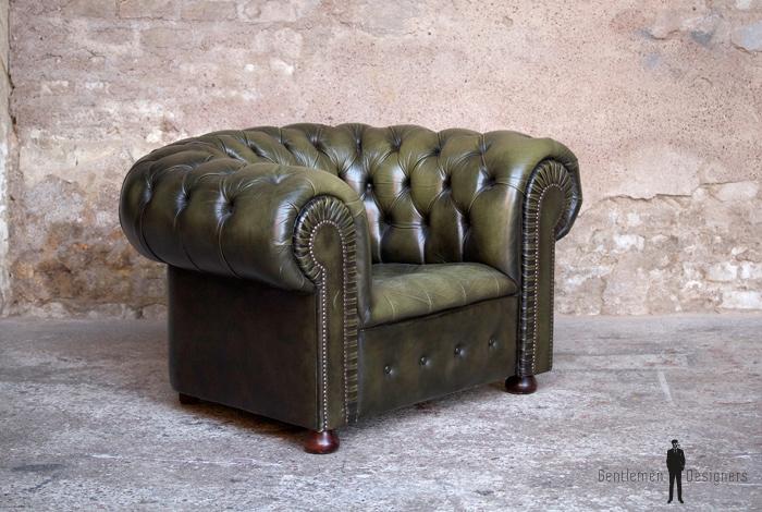 Fauteuil ancien chersterfield vert en cuir capitonn gentlemen designers - Fauteuil cuir capitonne ...