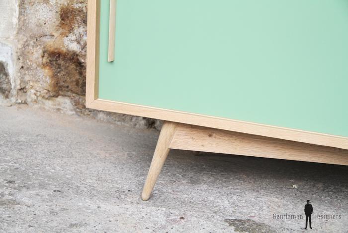 meuble vaisselier bois clair chene portes coulissantes sur mesure jaune vert blanc