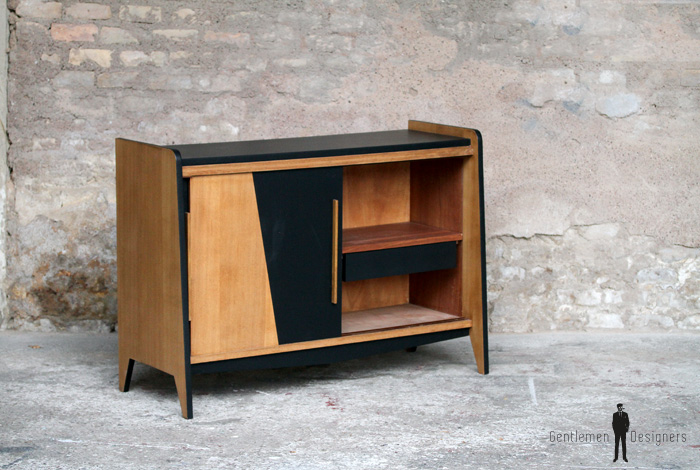 meuble bas vintage pieds compas gentlemen designers. Black Bedroom Furniture Sets. Home Design Ideas