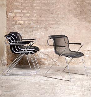 Lot de 4 chaises empilables, C.Pollock pour Castelli