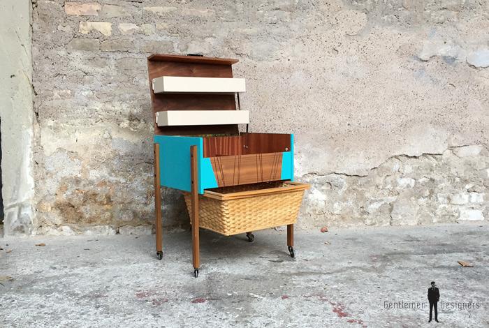 Meuble vintage de couture relook bleu bois osier for Couturiere en bois