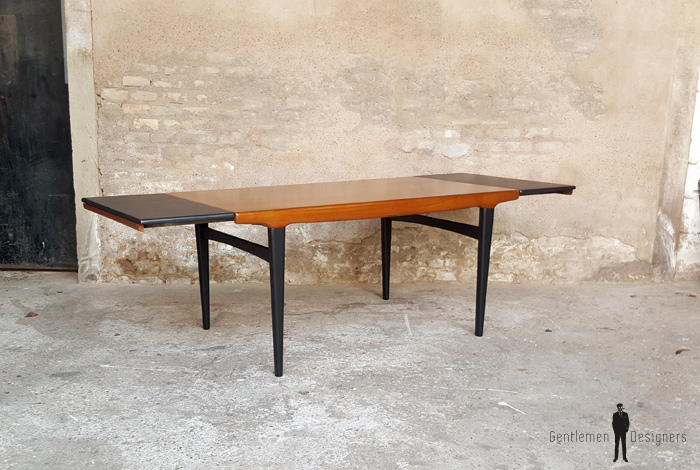 Table de repas vintage rallonges scandinave en teck for Table scandinave a rallonge