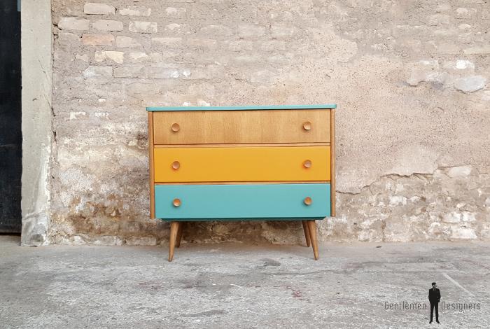 Commode vintage 3 tiroirs, orange vert et bois. Chambre, rangements
