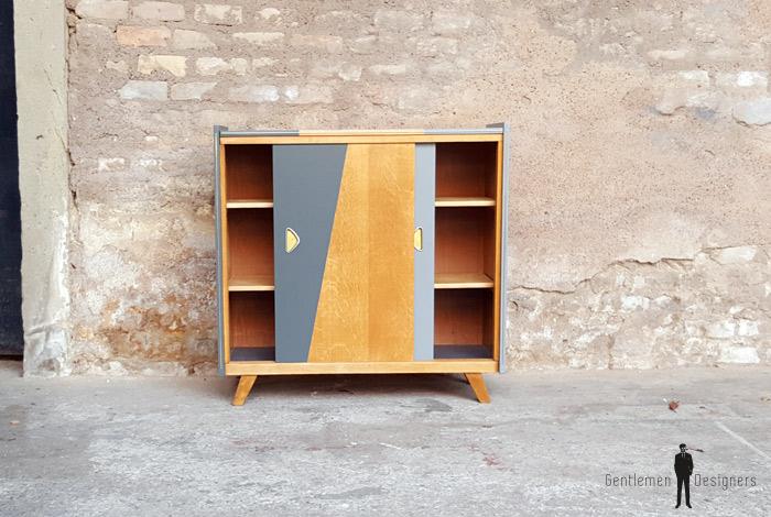 meuble d appoint vintage en bois motifs graphique gris. Black Bedroom Furniture Sets. Home Design Ideas
