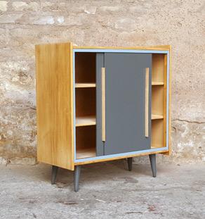 Meuble d appoint vintage en bois 2 portes grises for Meubles concept lyon