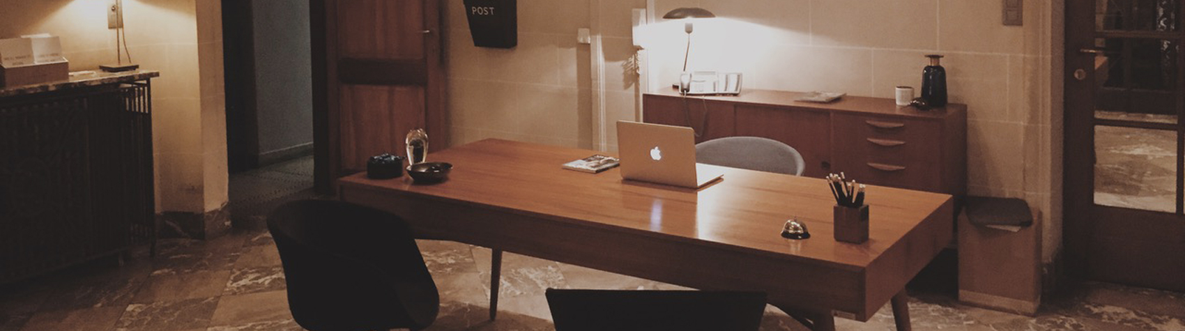 bureau ministre gentlemen designers. Black Bedroom Furniture Sets. Home Design Ideas