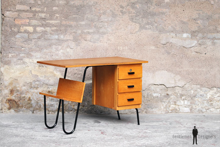 bureau vintage en bois et m tal 3 tiroirs jacques hitier. Black Bedroom Furniture Sets. Home Design Ideas