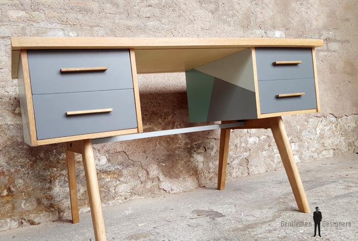 bureau vintage graphique gris et vert pieds compas bois. Black Bedroom Furniture Sets. Home Design Ideas