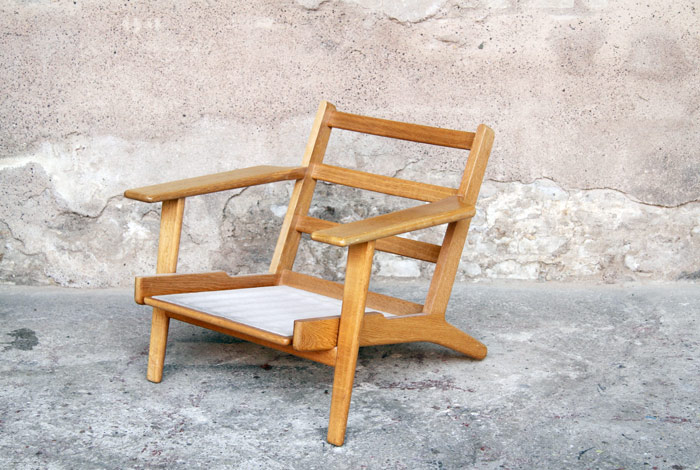 fauteuil chauffeuse vintage hans wegner scandinave. Black Bedroom Furniture Sets. Home Design Ideas
