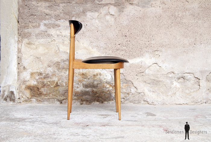 4 chaises vintage ann es 60 sign es pierre guariche. Black Bedroom Furniture Sets. Home Design Ideas