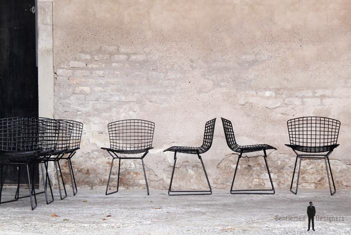 8 chaises vintage noir fil d 39 acier sign es h bertoia knoll 1952. Black Bedroom Furniture Sets. Home Design Ideas