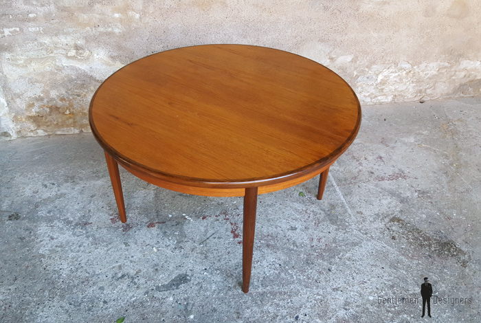Table ronde rallonges papillon vintage scandinave en teck for Table ronde rallonge scandinave