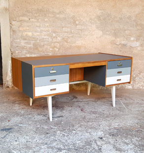 bureau vintage en teck recto verso d grad de gris. Black Bedroom Furniture Sets. Home Design Ideas