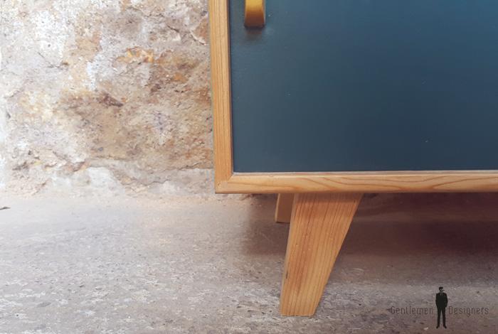 meuble vintage en bois portes coulissantes bleu canard. Black Bedroom Furniture Sets. Home Design Ideas
