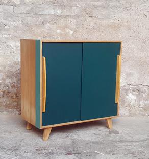 produits gentlemen designers. Black Bedroom Furniture Sets. Home Design Ideas