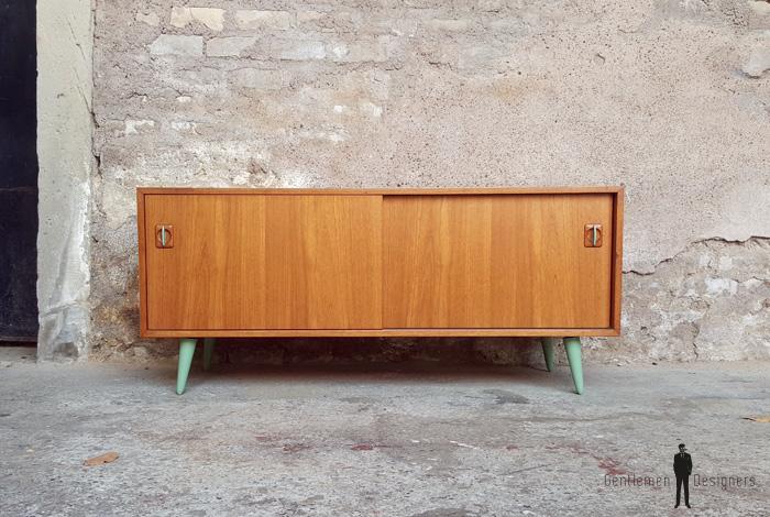 meuble tv vintage bois blanc portes et tiroirs pieds compas. Black Bedroom Furniture Sets. Home Design Ideas