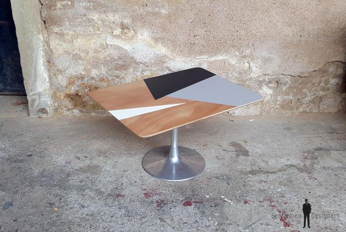 Table basse ronde graphique bleu blanc bois pieds compas - Table basse bois gris clair ...